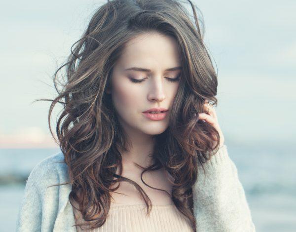 Napravite same: 3 jednostavne glam frizure