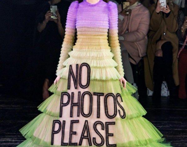 """Fashion statement:Viktor & Rolf """"meme"""" haljine su postale prava internet senzacija!"""