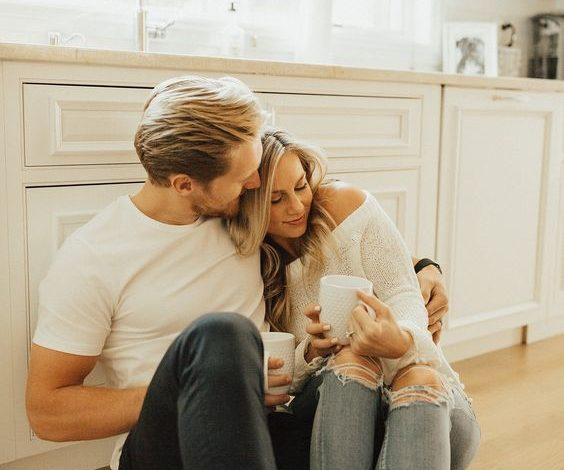 Da li vaša prijateljstva ispaštaju, zbog vaše emotivne veze? Ovo su 4 jasna znaka da zapostavljate svoje