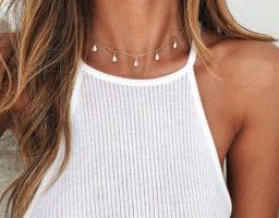 Decentne ogrlice koje će dati chic notu i najjednostavnijem outfit-u