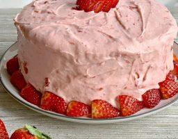 Recept dana: Kremasta torta od jagode