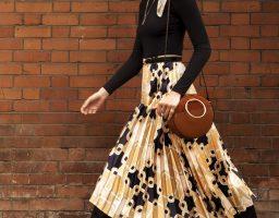 Odvažni printovi i marame: Uzbudljiva H&M saradnja sa britanskim brendom Richard Allan
