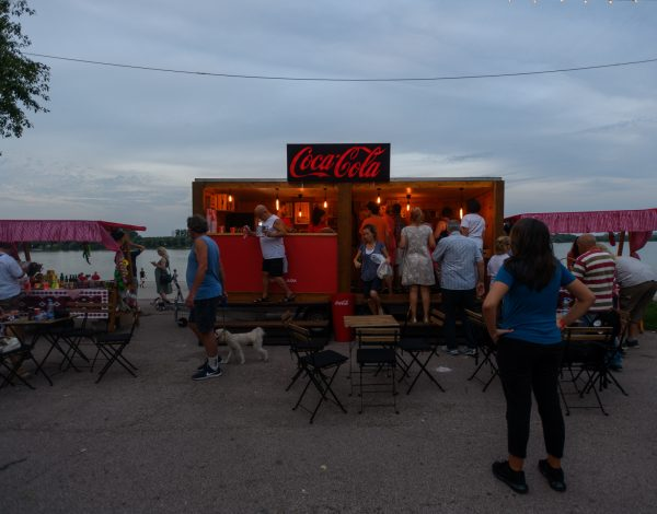 """""""Stižemo sa juga"""" program podrške Coca-Cole sistema malim proizvodjačima hrane"""