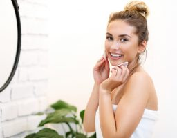 Donosimo vam efikasne načine kako da uklonite akne+saveti dermatologa