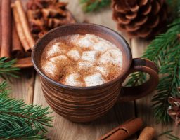 Topla čokolada sa crnim vinom je savršeno piće za ušuškane zimske noći