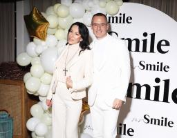 Kreator najlepših osmeha poznatih, Mr. Smile, održao novogodišnju žurku u belom
