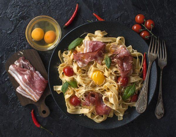Originalna italijanska pasta karbonara gotova za 15 minuta! (recept)
