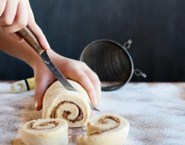 Neka svi pogađaju šta ste stavili u kolač: Desert za pamćenje sa savršenim sastojkom (video)