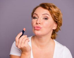 Izbrišite deset godina sa lica pravilnim izborom šminke
