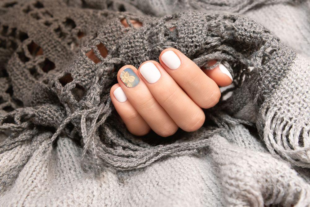 kratki nokti stikeri