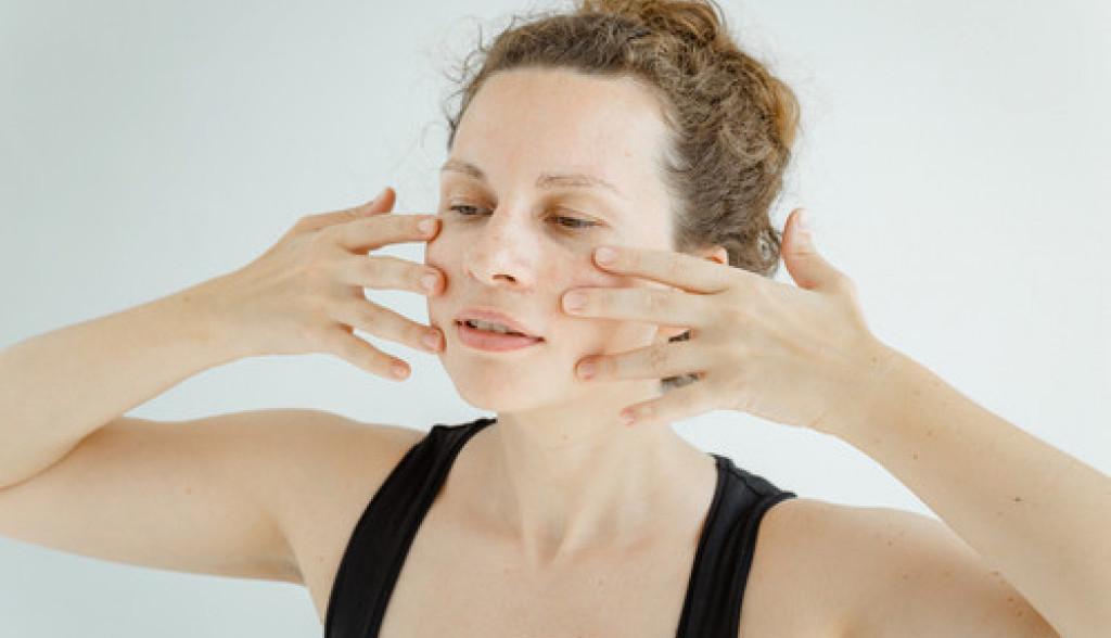 vežbe za lice bez bora face gym