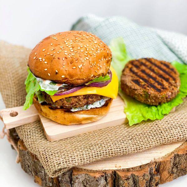 burger od pasulja ili juneći burger