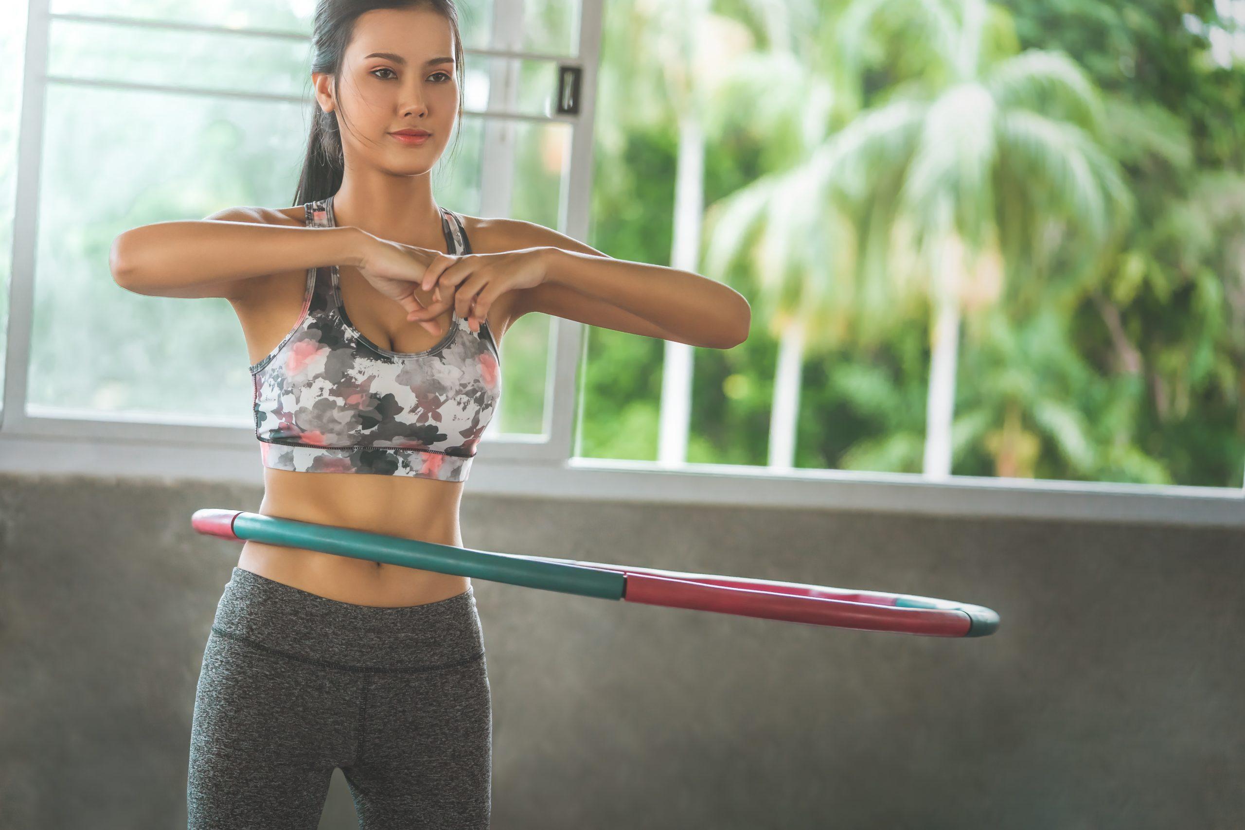 vežbe s hula hopom pod opterećenjem
