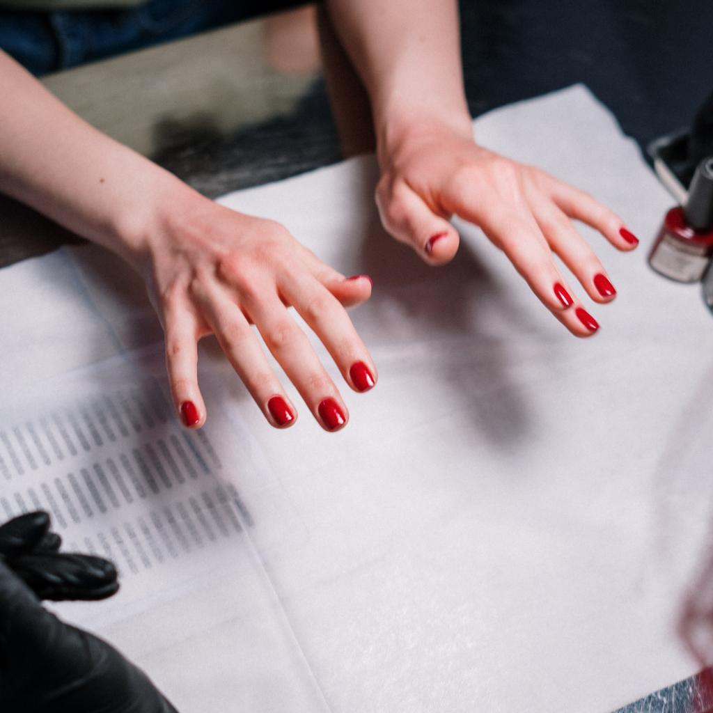 Najpopularniji oblici noktiju: Vodič kroz manikir trendove thumbnail